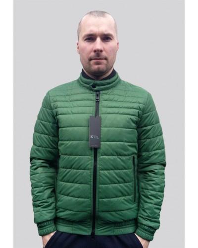 Демисезонная куртка в зеленом цвете T-132